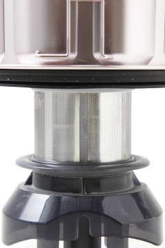 一次分離のフィルターに金属製を採用することで、ゴミの付着を減らすことに成功