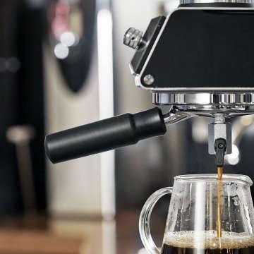 徹底した温度管理機能を搭載したコーヒーメーカーは日本の技術によって量産化される。