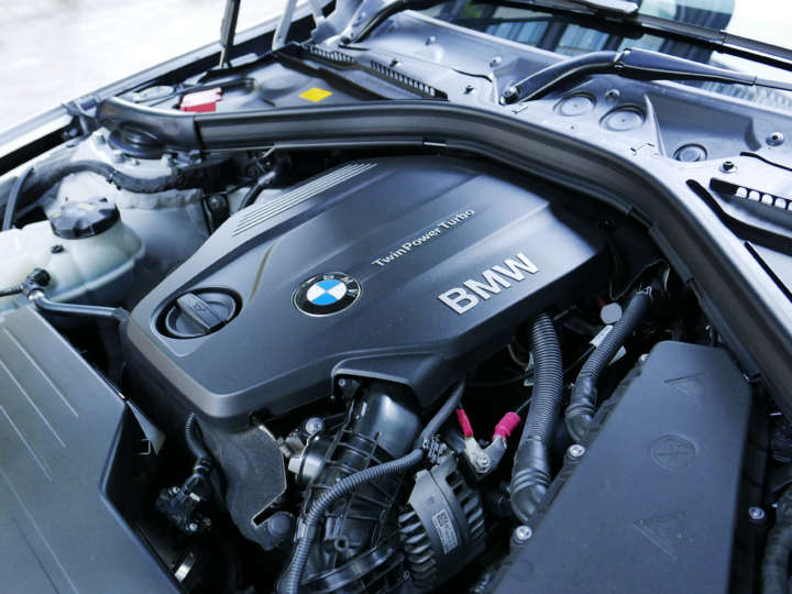 BMW 320d Mスポーツ