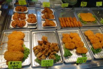 総菜店で普通に売られている。虹のマートでは他にも売っているところがあった