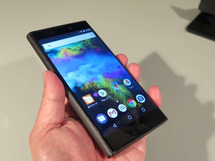 従来のコンセプトはそのままに最新Androidを搭載。CPUは2.0GHzのオクタコア、RAMは3GB