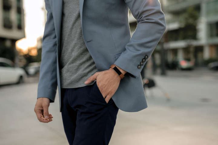 ▲ジャケットにも合わせやすいシンプルなデザイン