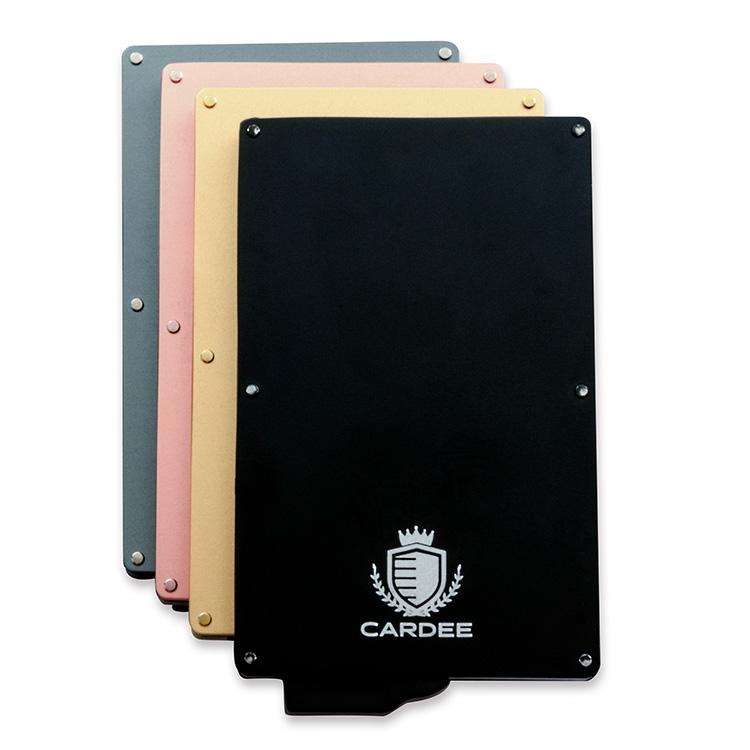 大事な電子マネーを守る!アルミ仕上げが美しいカードプロテクター