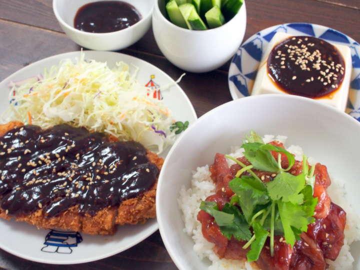 名古屋といえば、味噌文化が有名です。味噌カツ、味噌煮込みうどん、味噌おでんなど、ほかの地域ではあまり見かけない\u201c味噌 を使った料理\u201dのレパートリーが豊富です。