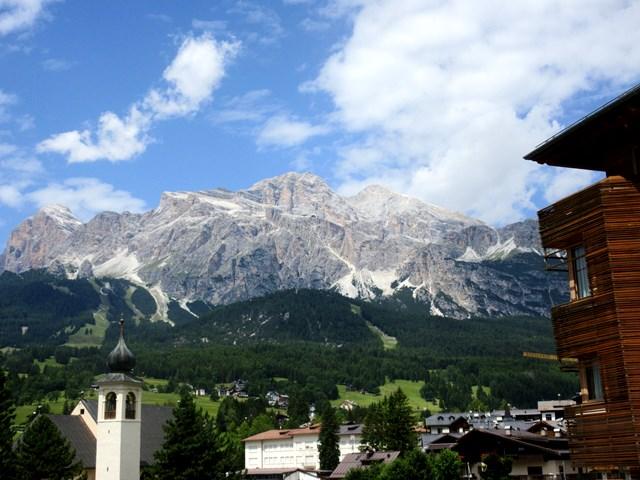 イタリアの世界遺産 ドロミテ渓...