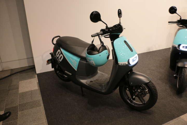 ついに日本上陸!バッテリー交換式のスクーターは電動車の未来を変えるか!?