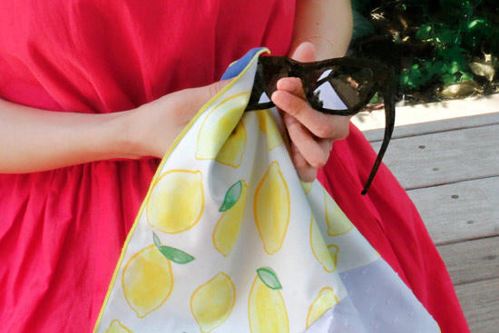 fukeru-眼鏡が拭けるハンカチ fruits (Lサイズ)