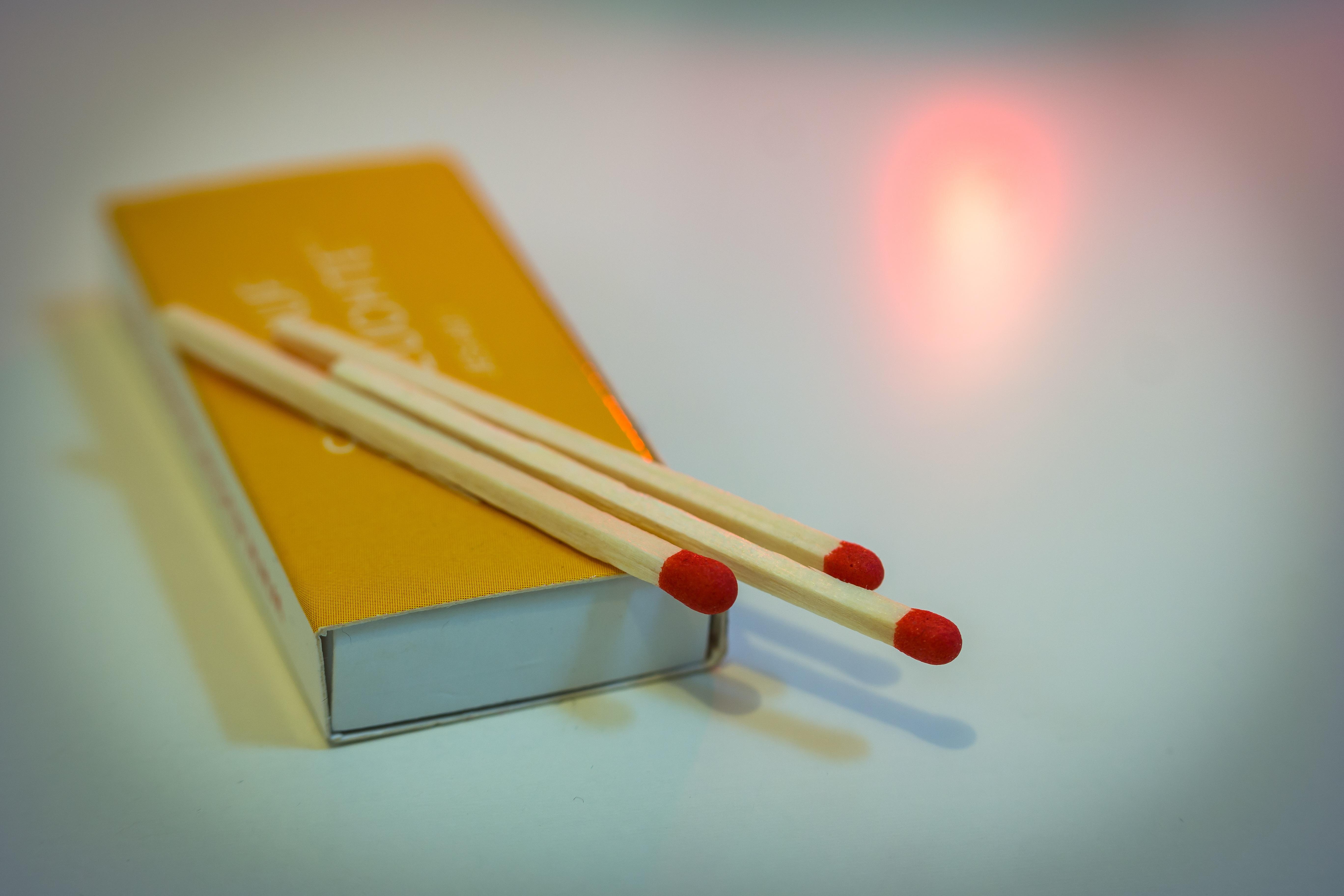 マッチ箱 小箱に詰まった実用と図案 (前編)