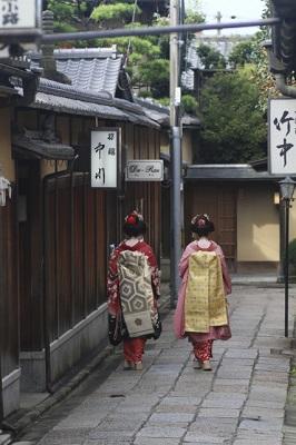 日本ならではの美容アイテム「あぶらとり紙」