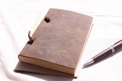書き留めて、持ち歩く。手帳が生まれた背景 (前編)