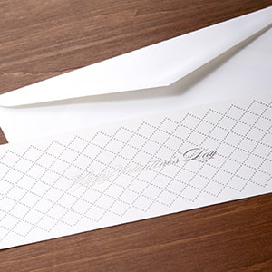 スタイリッシュなカードと封筒