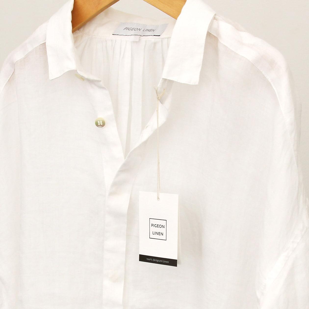 リネンシャツのブランドタグ