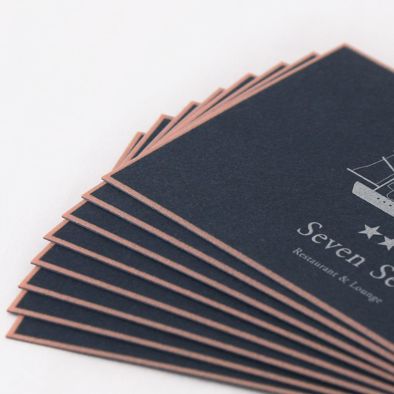 繊細なフレームが上質な印象 ボーダードの名刺・ショップカード