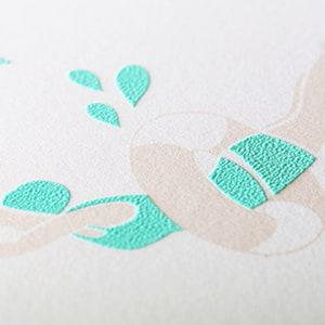 質感を楽しむ 発泡シルク印刷の案内状