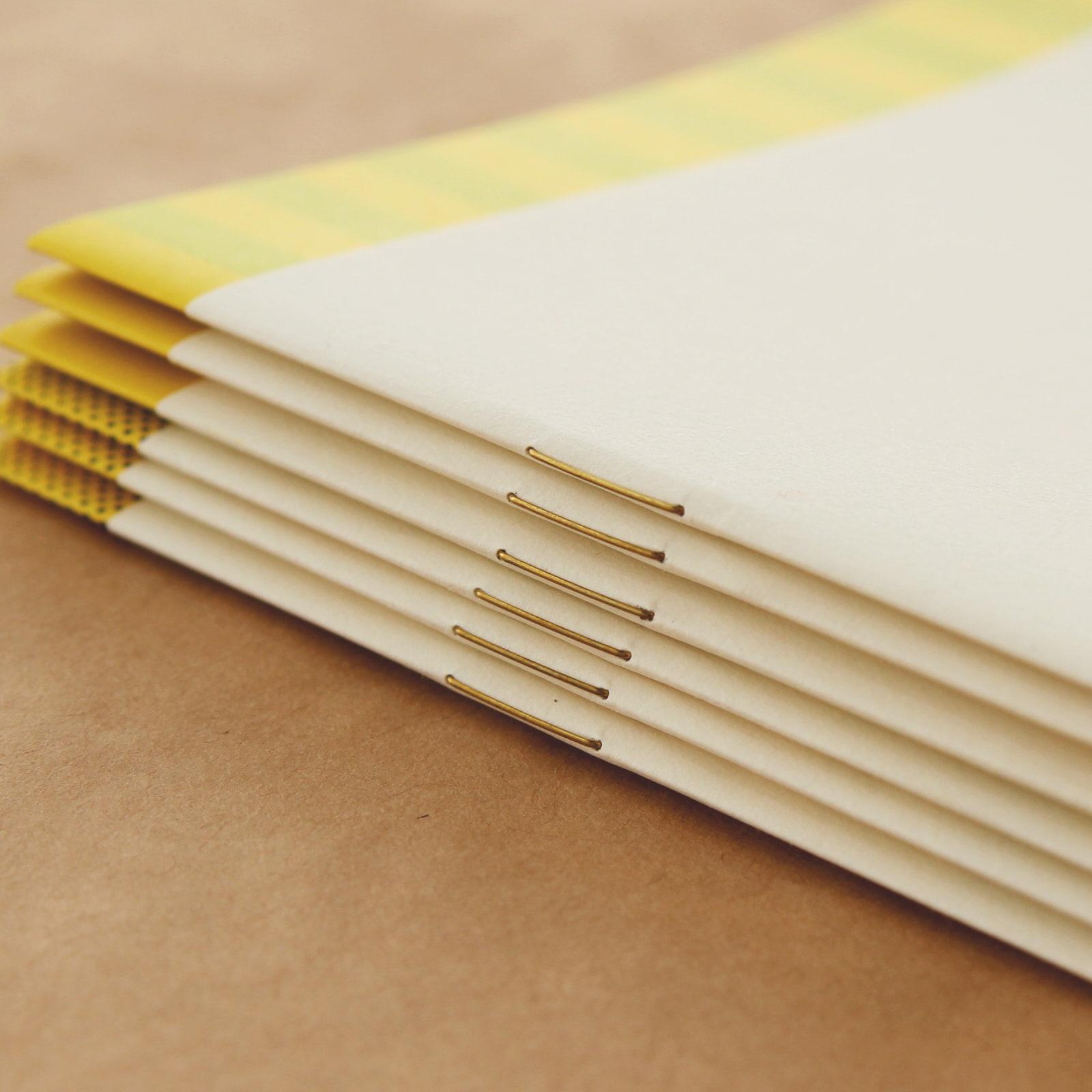 表紙を変形にしてデザイン性を楽しむ2