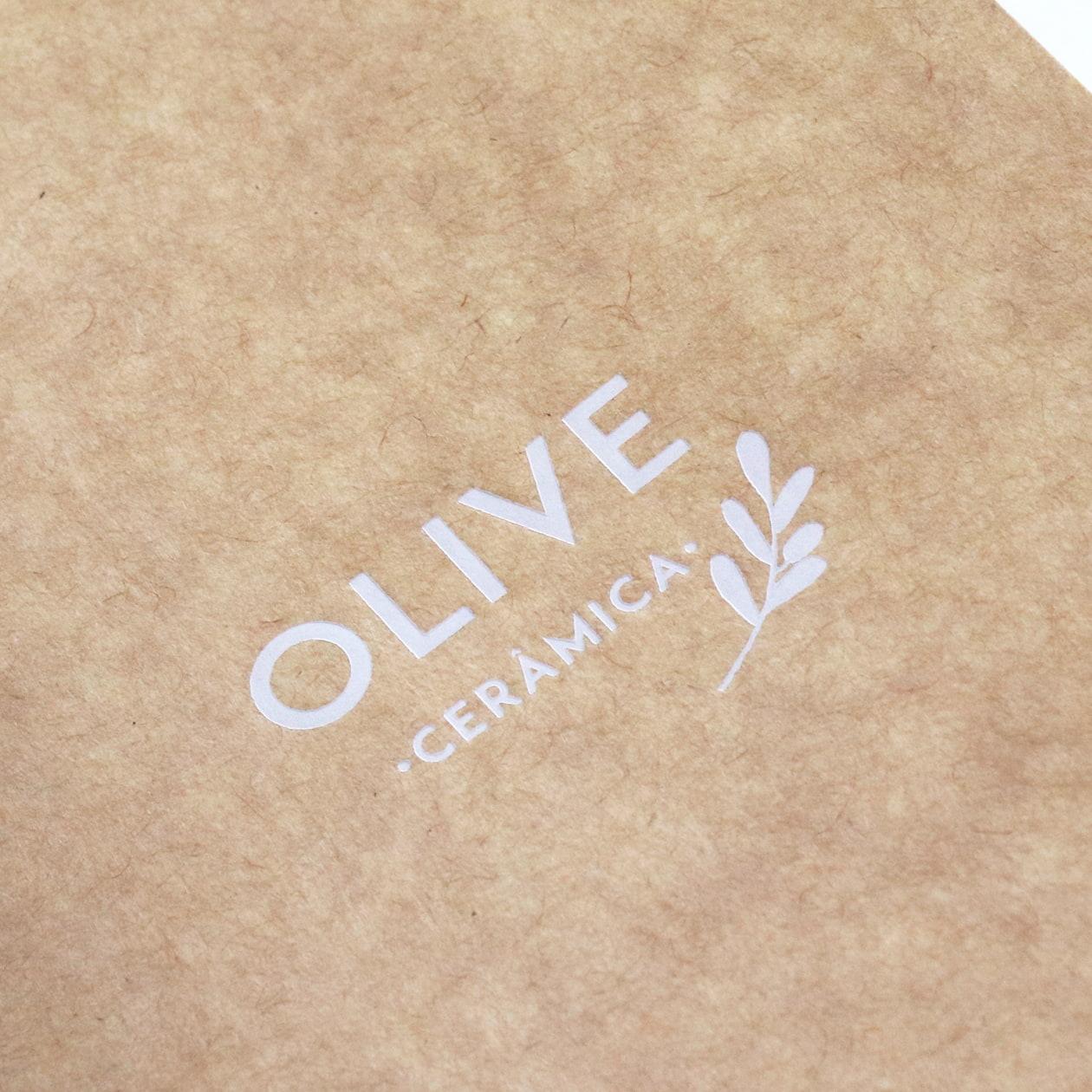 モダンでクラフト感のある 陶器ブランドの商品イメージブック