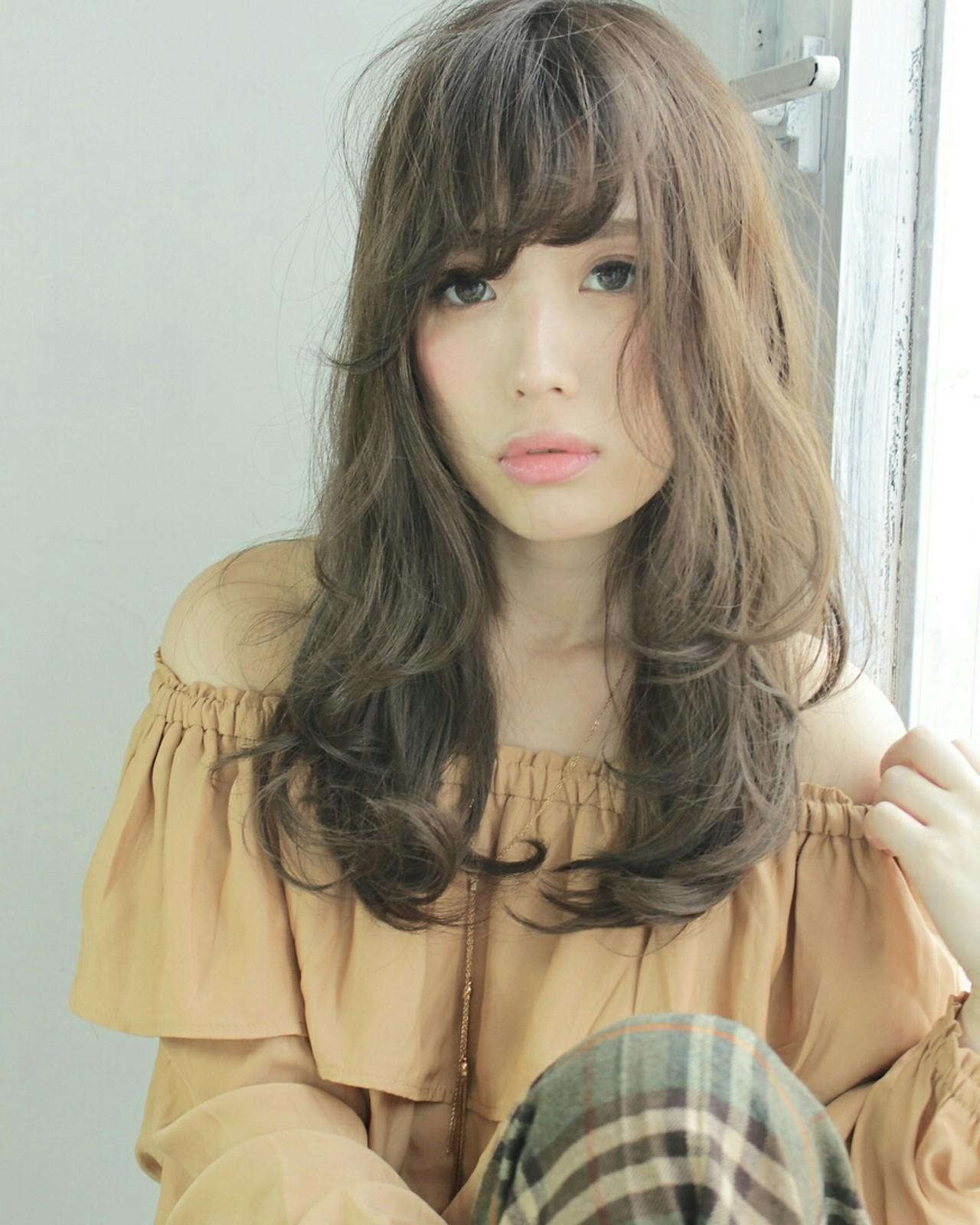 この冬の髪形はゆるウェーブと女っぽいグレージュカラーで 原田 和幸