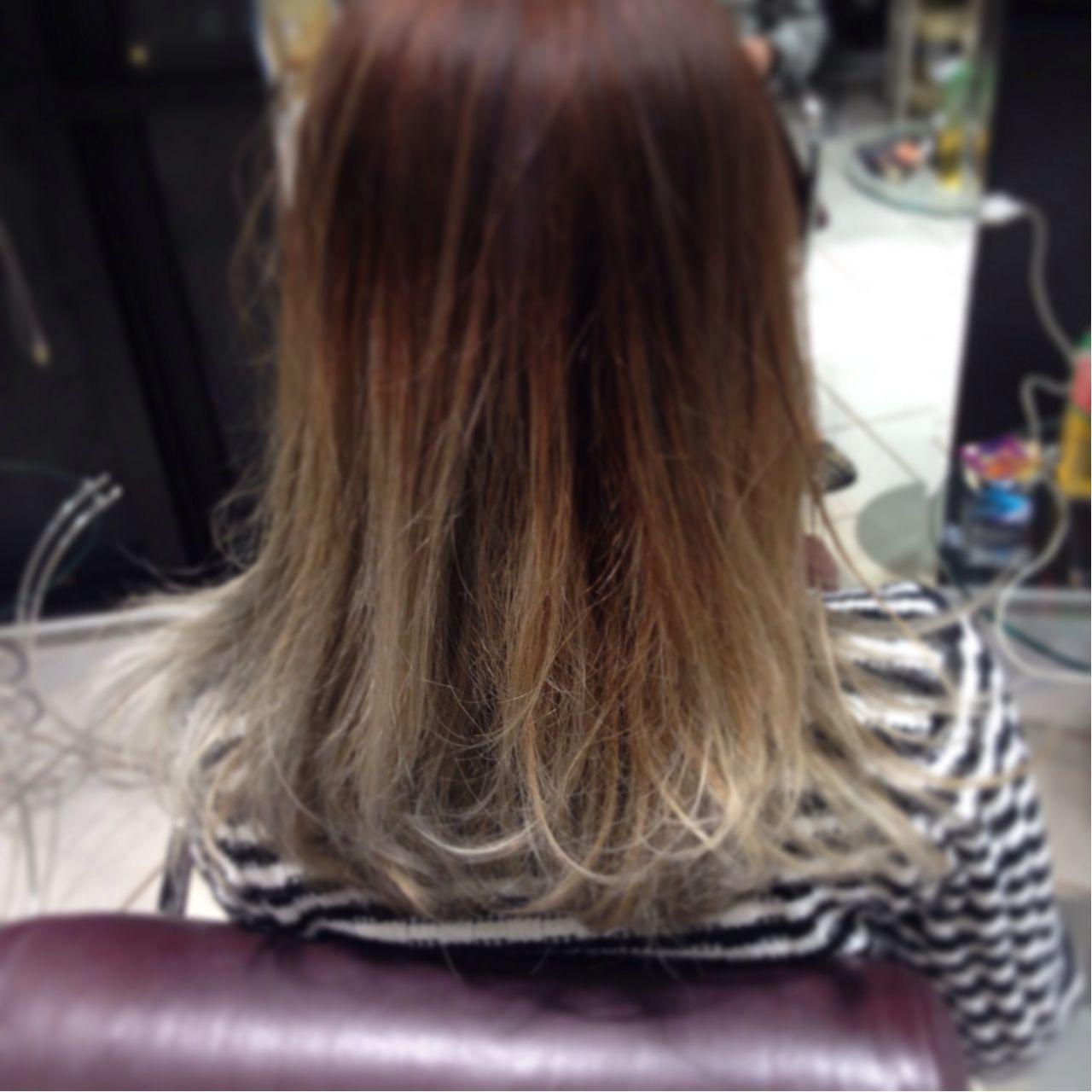 グラデーションカラー ストリート トレンド セミロング ヘアスタイルや髪型の写真・画像
