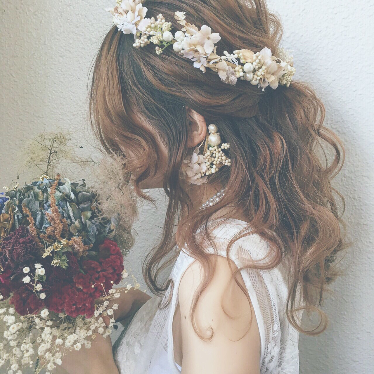 大事なのは髪型だけじゃない。結婚式でのオススメヘアカラー♡