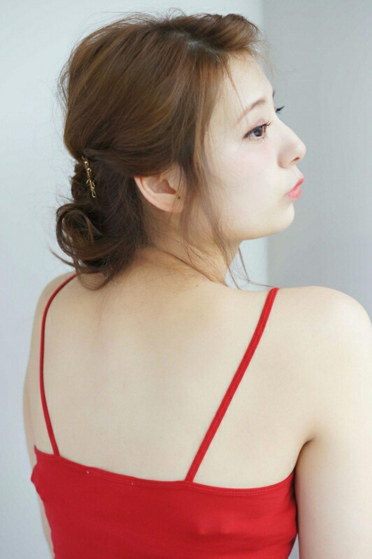 ねじり ヘアピン セミロング ヘアアクセ ヘアスタイルや髪型の写真・画像