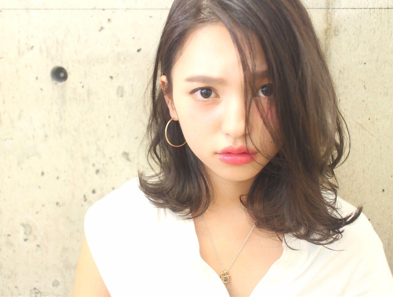 黒髪でも重く見えないミディアムスタイル7選 米川光平/melgina(メルジーナ)