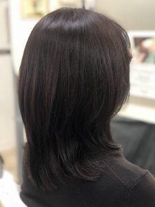ミディアム・ミディアムヘアのカット・レングスのヘアカタログ・ヘアスタイル・髪型のイメージ・テイスト画像