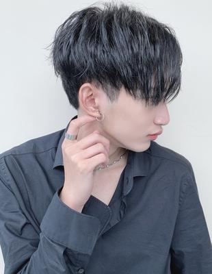 韓国風 マッシュ 黒髪 メンズ 大人ヘア