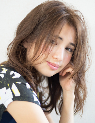 前髪長めゆるい巻き髪風ロングパーマ【TA-330】