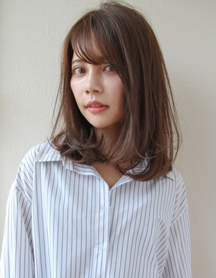 大人かわいい小顔ミディアムレイヤーヘアスタイル(SR-12)