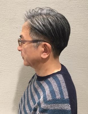 白髪をカッコよく見せる50代の大人な刈り上げ(ko-35)