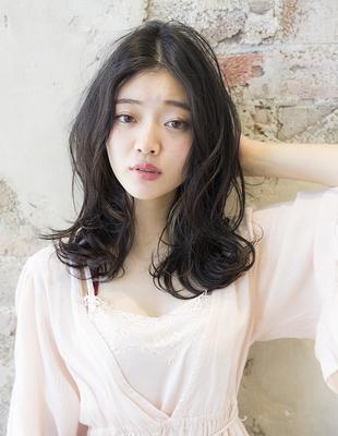 小顔ミディアムヘア・暗髪カラー(se229)