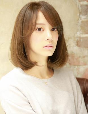 少し長めな前髪の重め柔らかロブヘアー(Ss-324)