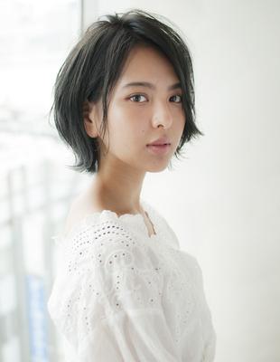 ☆フォルムの綺麗な外ハネショートヘア☆(HS242)