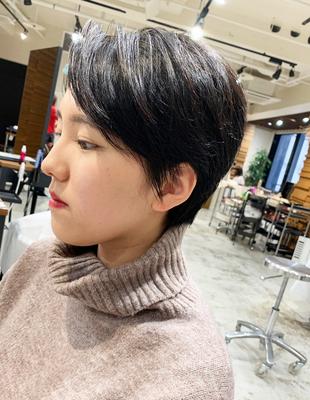 頭を小さく魅せるショートヘア(OM-191)