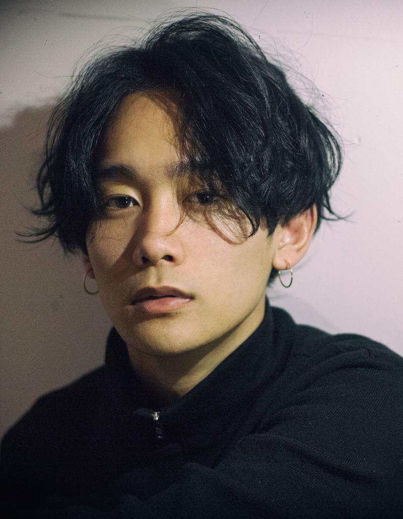 【若井】センターパート無造作パーマ