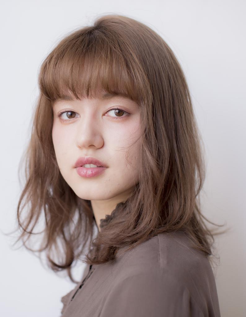 【鈴木】透明感バツグン!シアーベージュ