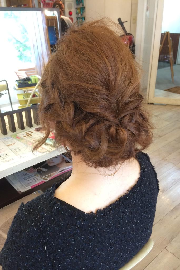結婚式やパーティーのヘアアレンジ