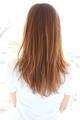 雨や湿気で髪の毛がまとまらない方はティアラのダブルシルクストレートでお悩み解決