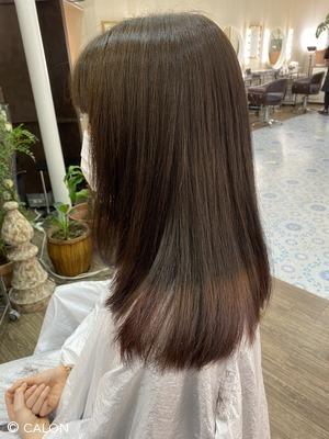 自然な黒髪に見えるパープルヴァイオレット ツートーンカラー