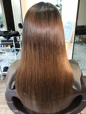 【30代・40代】まるで直毛のような自然なスタイルの酸性縮毛矯正