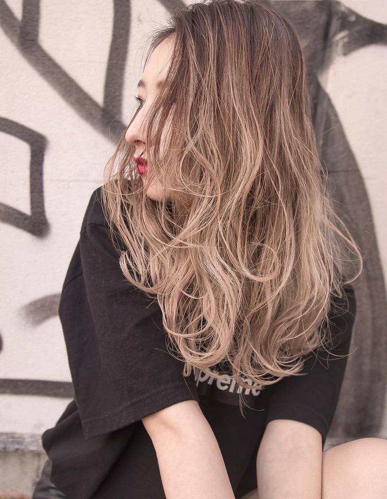 【Violet】外国人風ホワイトグラデーション
