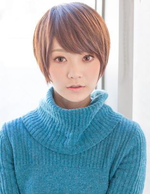 前髪と顔周りで小顔なショート(YK−175)