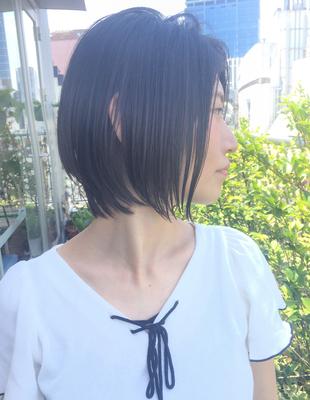 ペタンコ解消黒髪でも重く見えないショートボブ(YK−303)