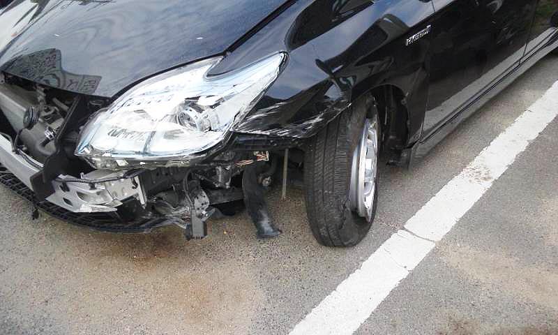 事故車のフロント部分