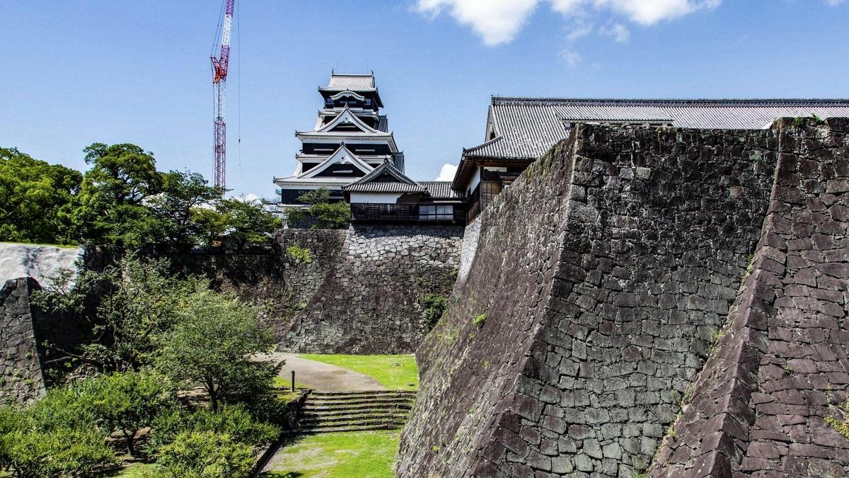 写真家が見る日本の美しい城(2) 熊本城2020夏と大阪の城