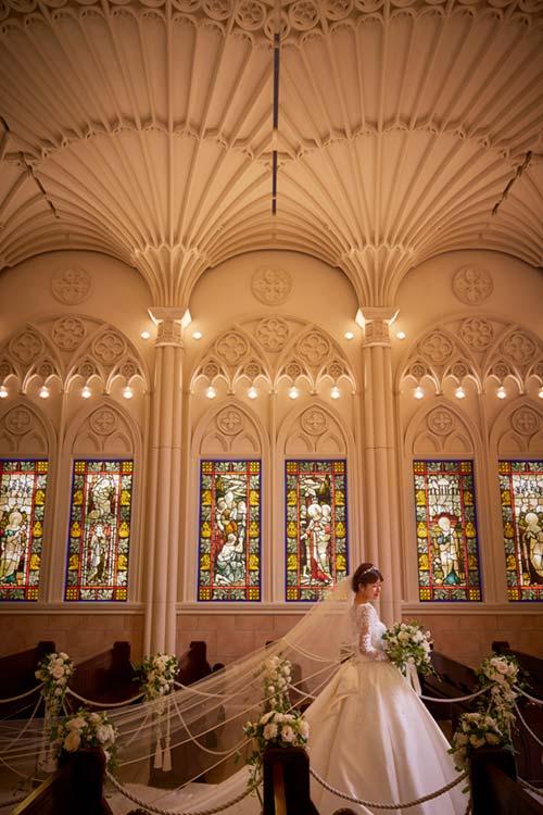 結婚式 モンテファーレ 大聖堂のステンドグラス