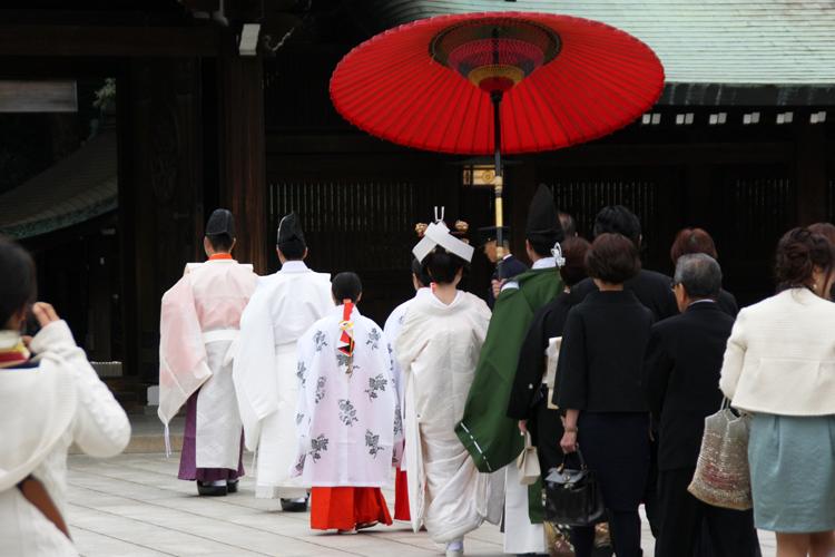 神社の結婚式の流れ解説!当日の流れと準備スケジュール、衣装など