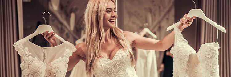 a9f56915c9bca ウエディングドレス選びは、会場の雰囲気や自分の体型にあわせて選んでいくことでスムーズにすすめられる場合もあります。
