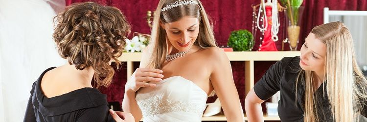 370e2736c9ae7 これで完璧!ウエディングドレスの5つの種類とドレス選びのコツ2選