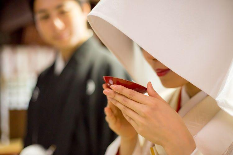 神前式の流れを紹介!当日は神職や巫女がサポートしてくれるから安心